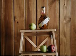 Зачем яблоку расти на дереве в бутылке