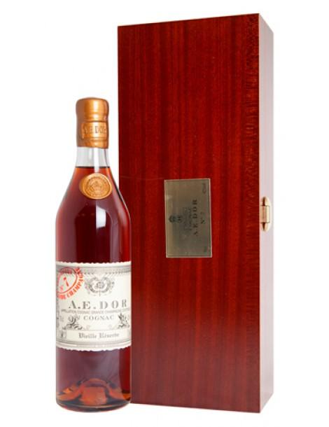 Коньяк A.E.DOR №7 wood box 42% 0,7л