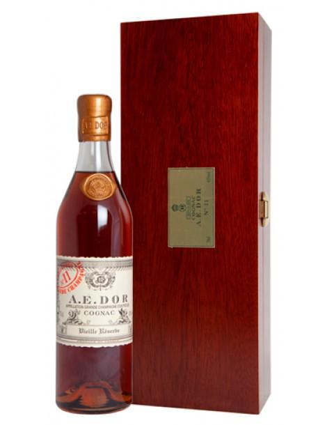 Коньяк A.E.DOR №11 wood box 43% 0,7л