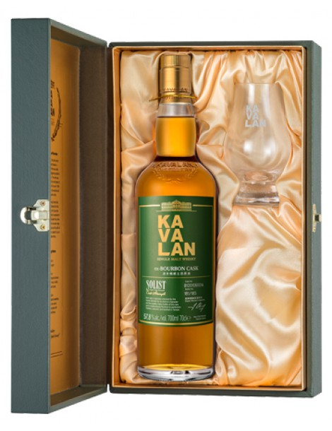 Виски KAVALAN Solist ex-Bourbon Cask Single Cask Strength 57,8% OF 0,7л (Gift Pack with 1 Glass)
